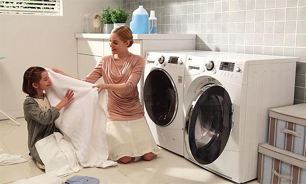 Vệ sinh máy giặt quận 7 sạch sẽ, thơm tho